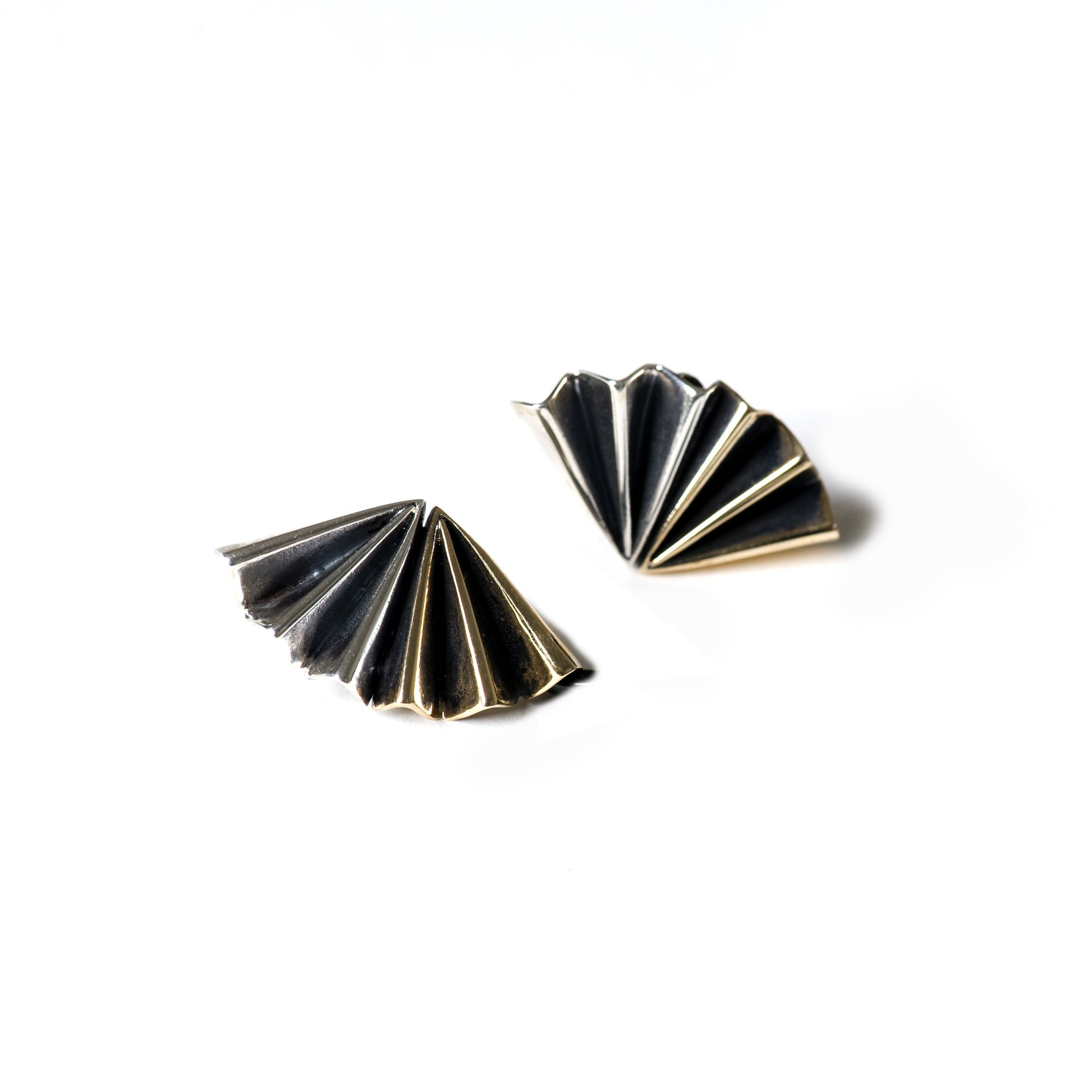 Bi-color 'fan' earrings Earrings in silver and bronze