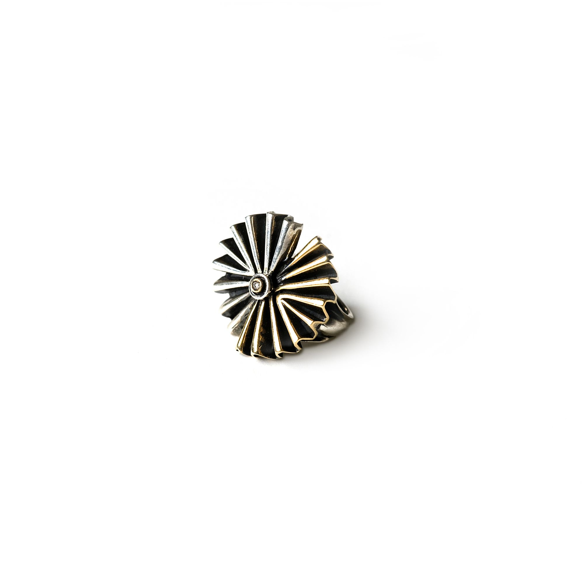 Double 'fan' ring Ring in silver and bronze