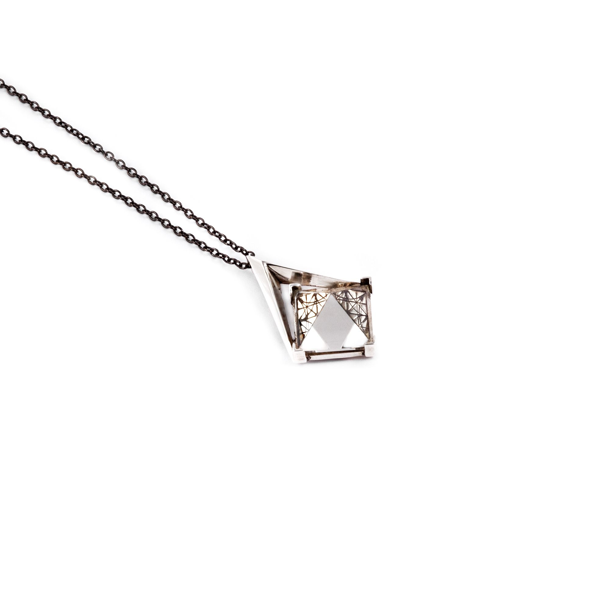 Small 'Entropia' pendant Necklace in silver with pyramid