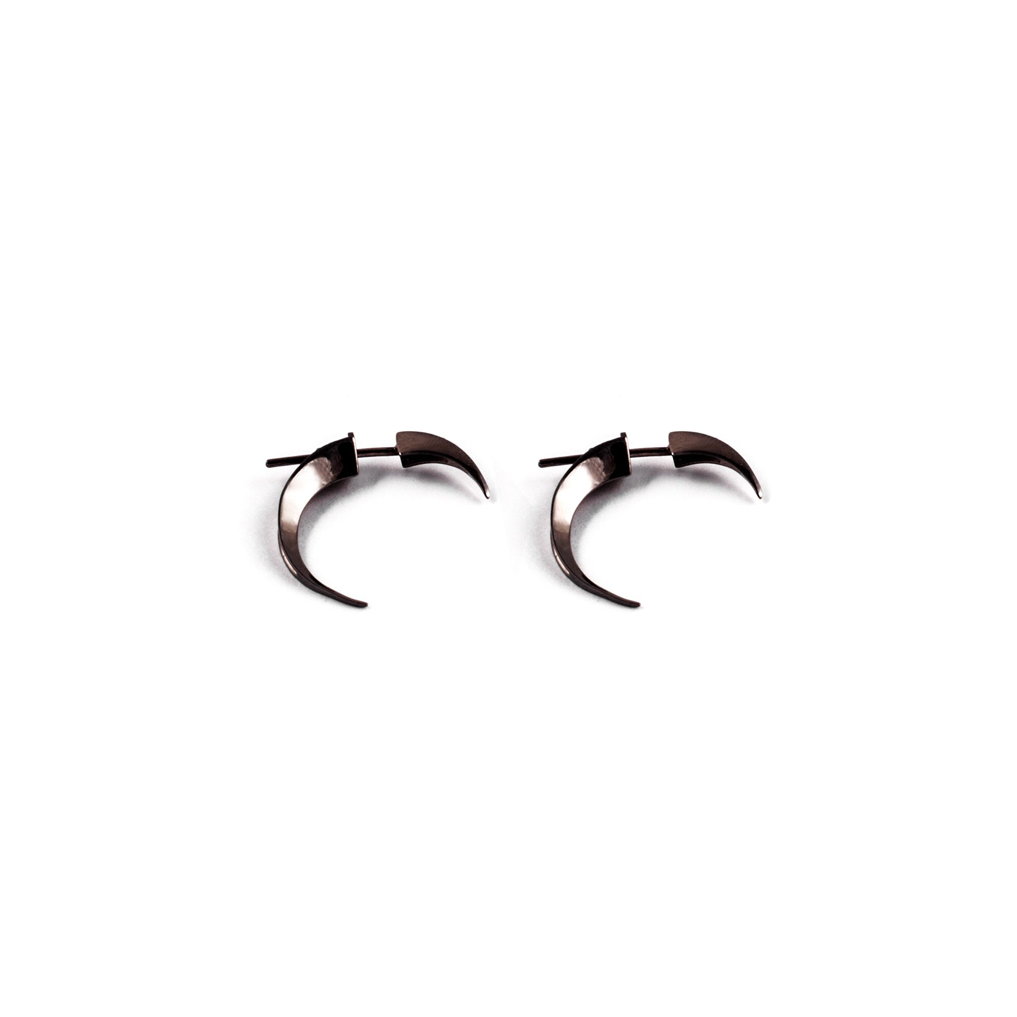 Front|back xs Hooks Earrings in black rhodium silver