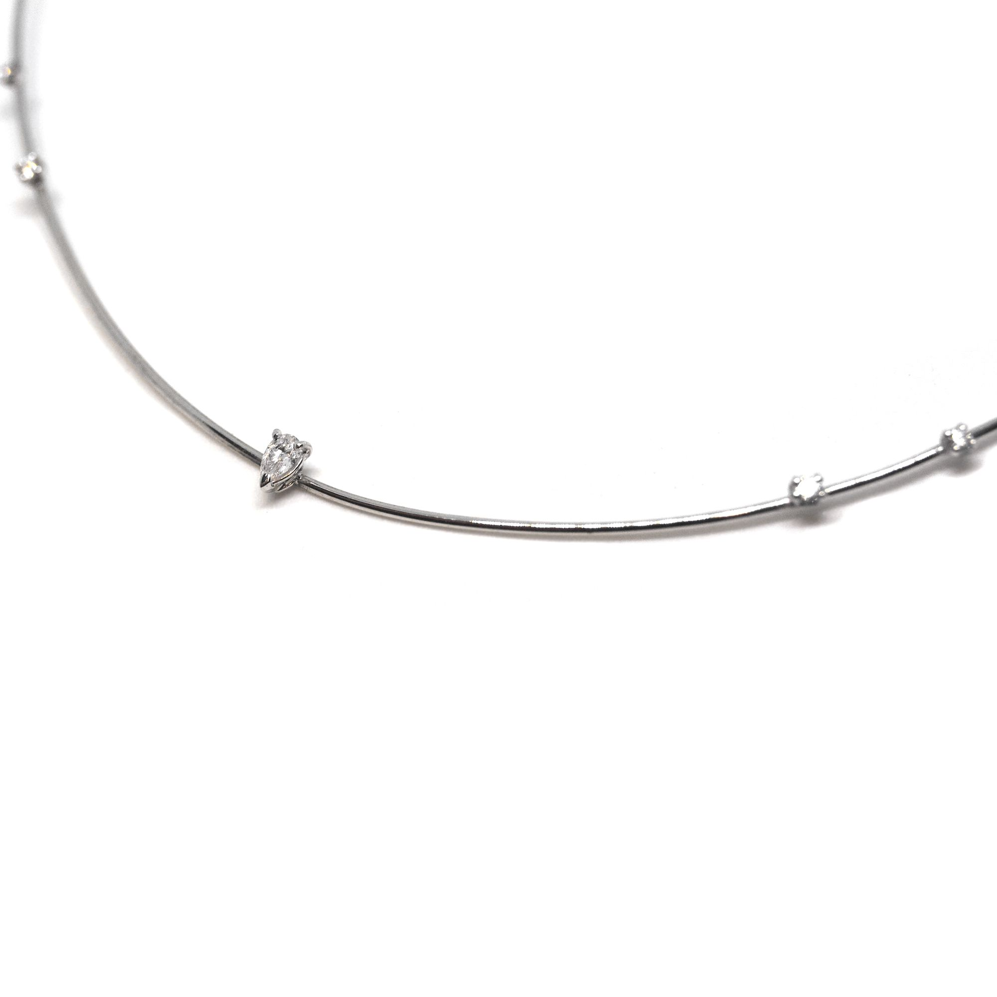 White gold 'Balance' cocker White gold necklace with white diamonds