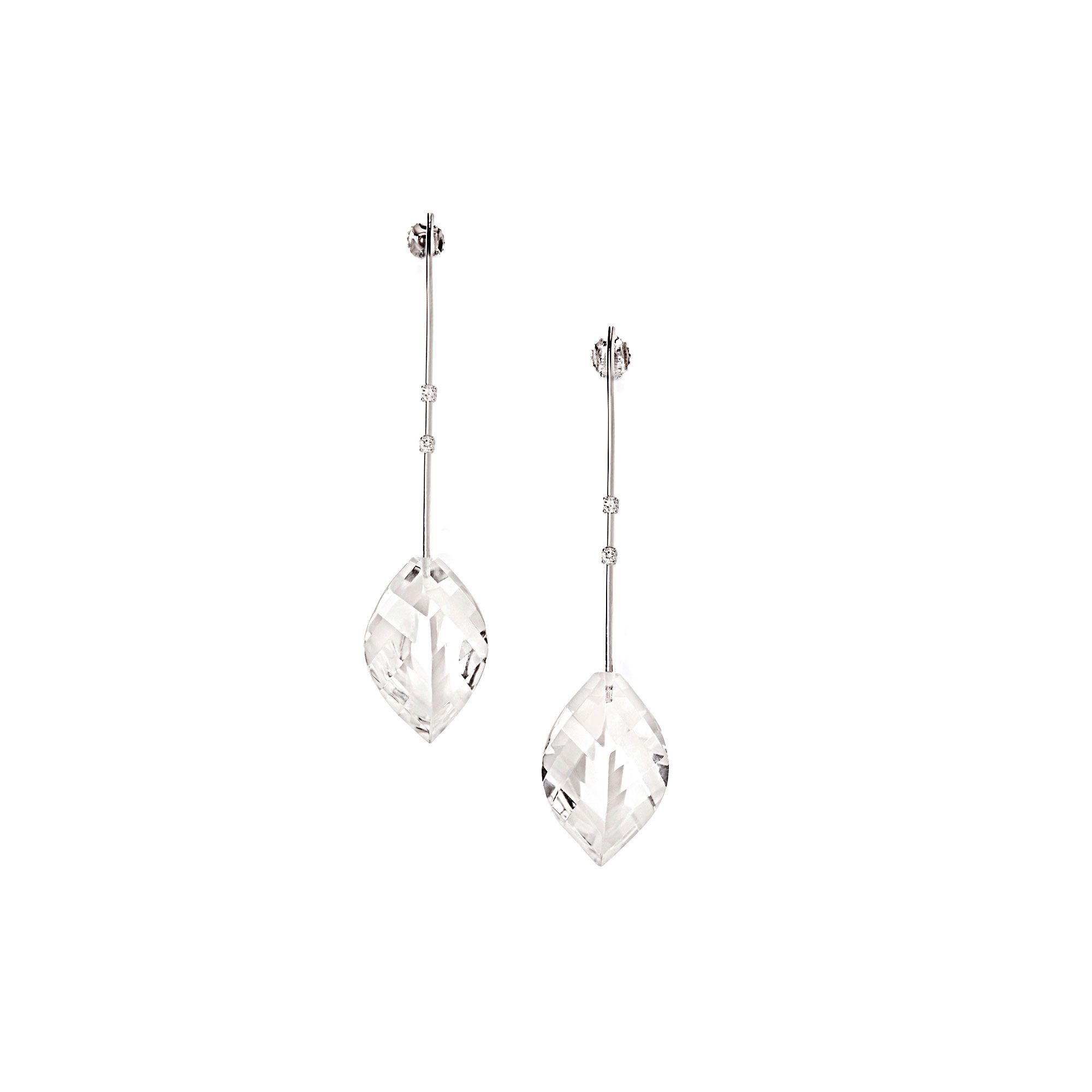 White gold 'Amo' earring with crystals Earrings in white gold, diamonds and rock crystals