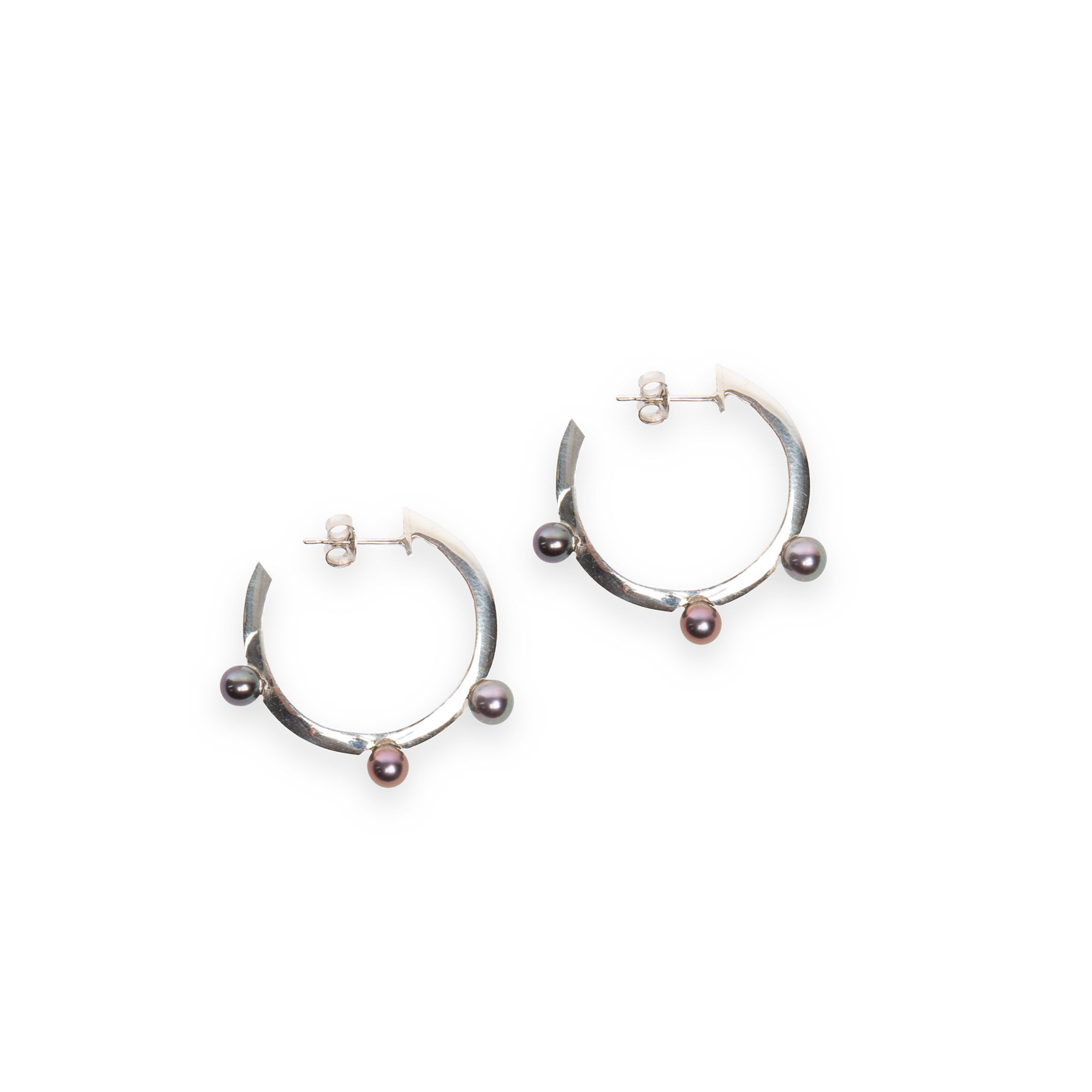 Xs hoop earrings with pearls Silver earrings with white pearls