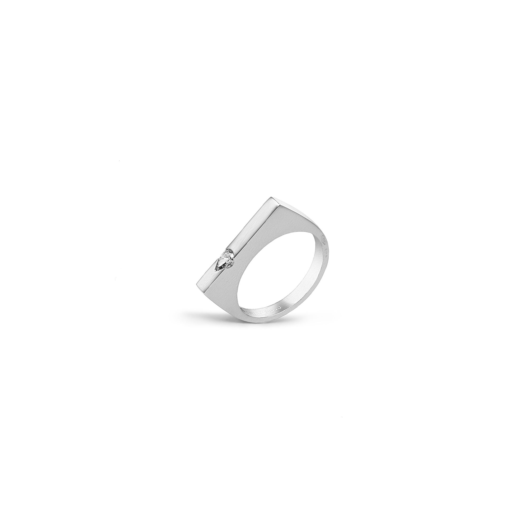 Modular 'Congiunzioni' ring with drop White gold ring with diamonds