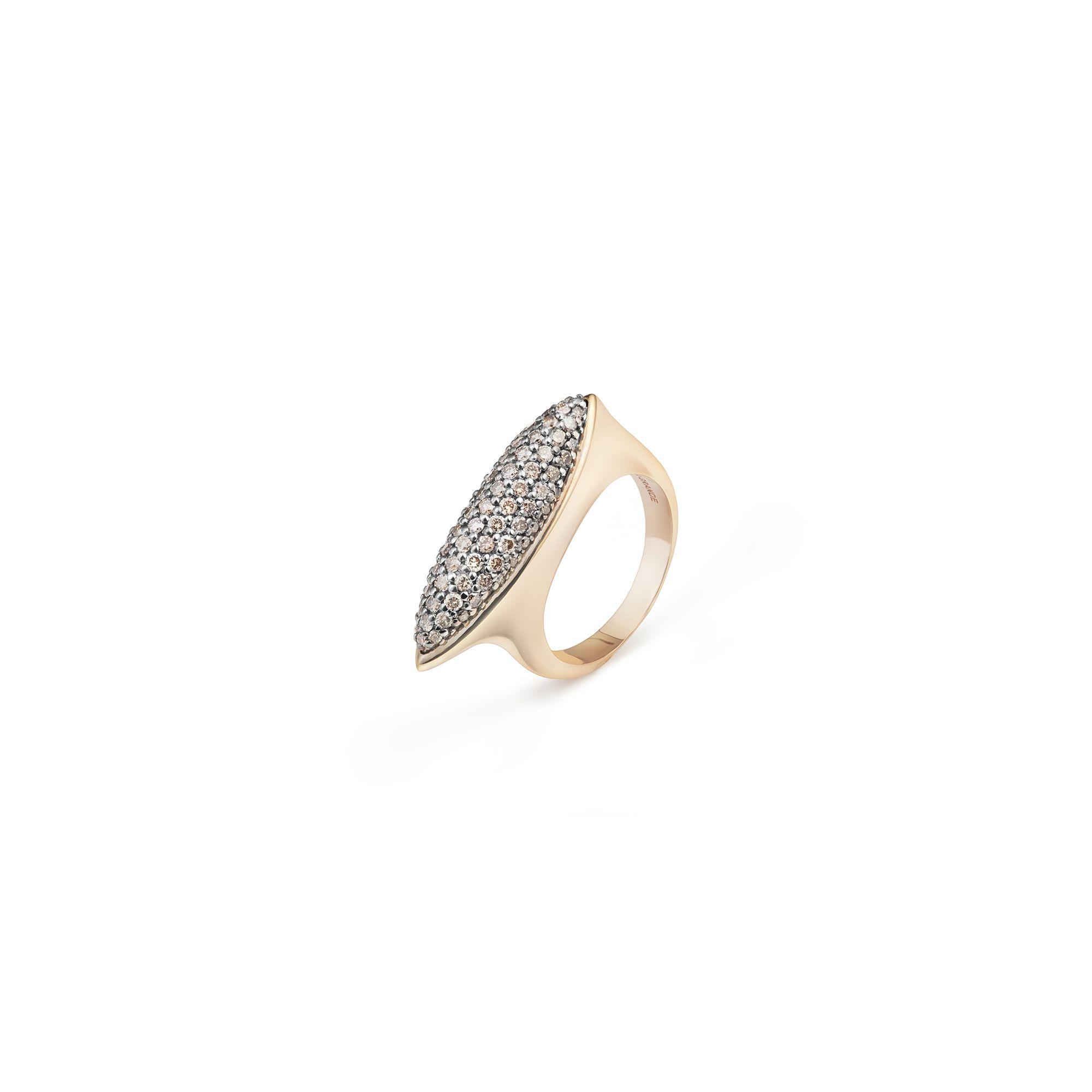 Anello Navetta con diamanti Anello in oro rosa e diamanti champagne