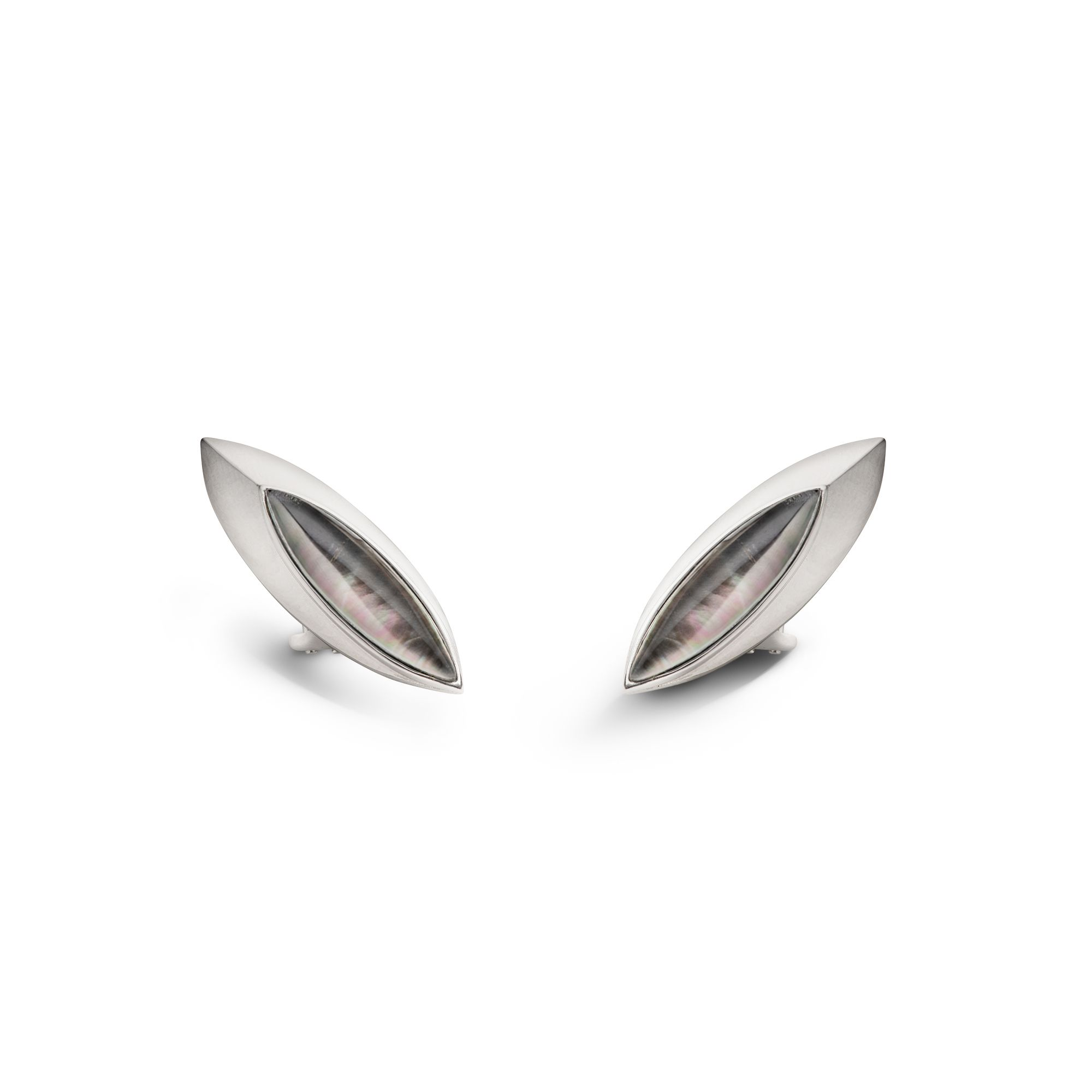 Grey 'Navetta' shields Silver earrings with grey mother-of-pearl