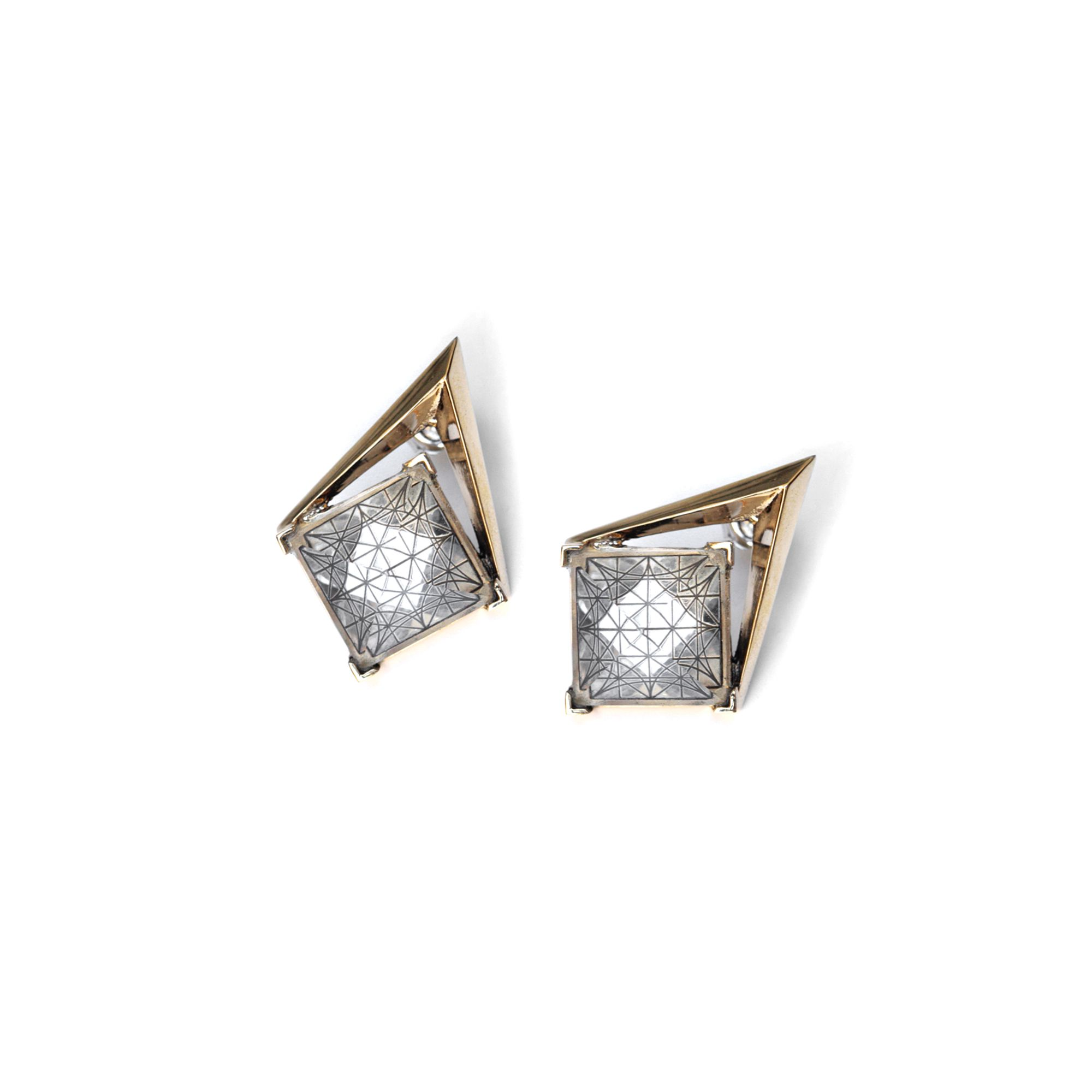 'Entropia' bronze earrings Earrings with a rock crystal pyramid stone