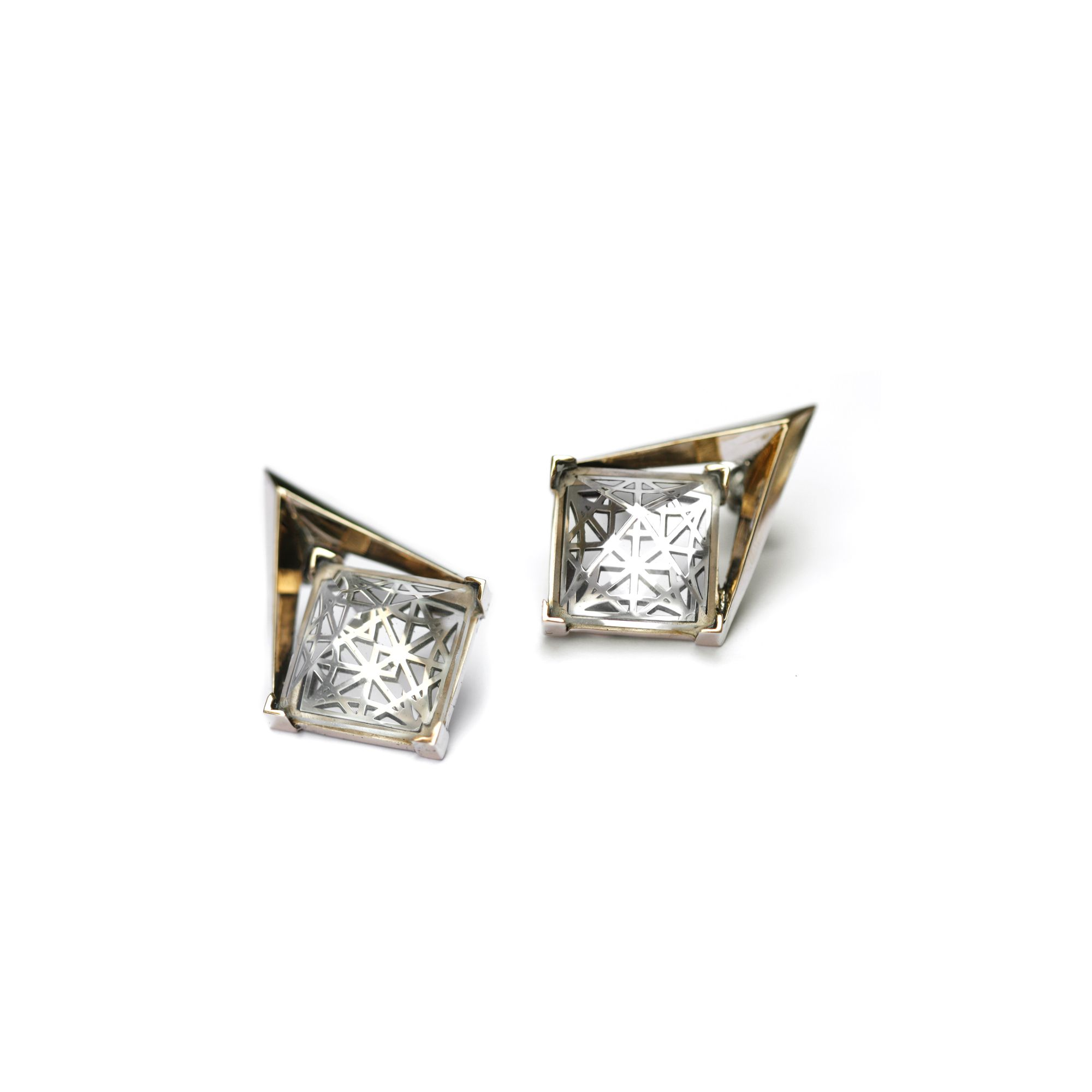 'Entropia' earrings with grid Bronze and silver earrings with pyramid