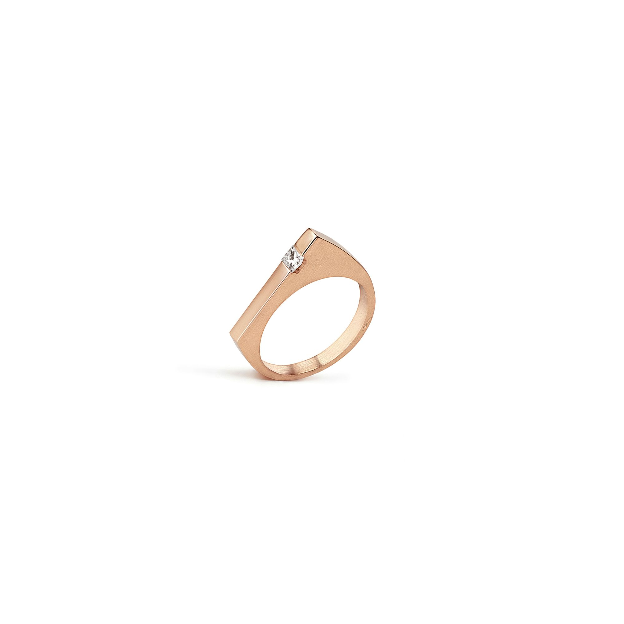 Modular 'Congiunzioni' point ring with Princess Rose gold ring with diamonds