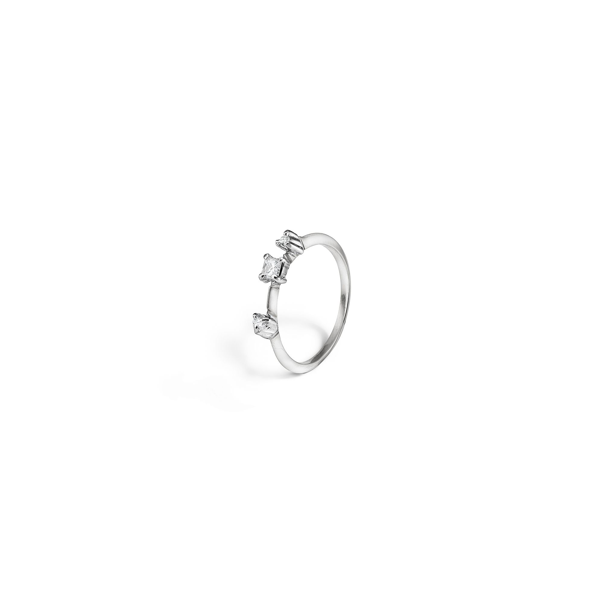White gold 'Balance' ring with princess Stackable white gold ring with diamonds
