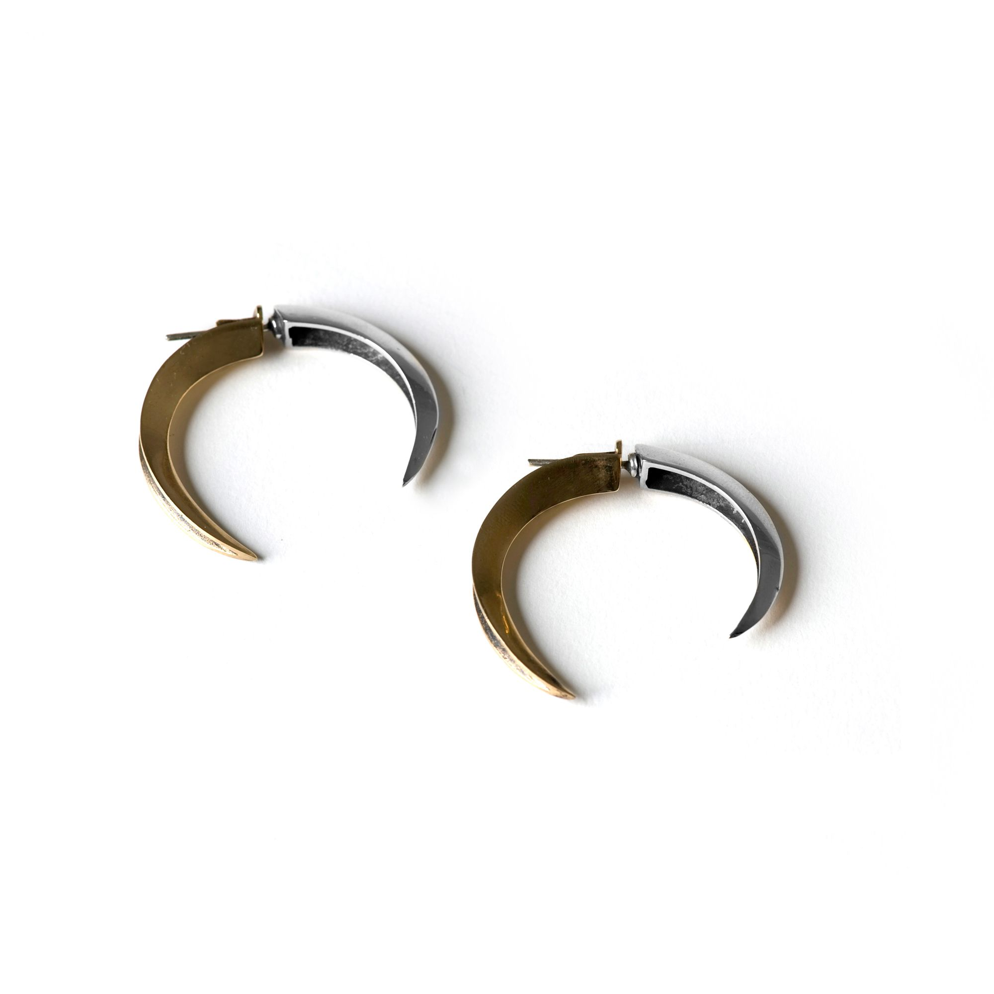 Front|back Hooks Earrings in silver and bronze