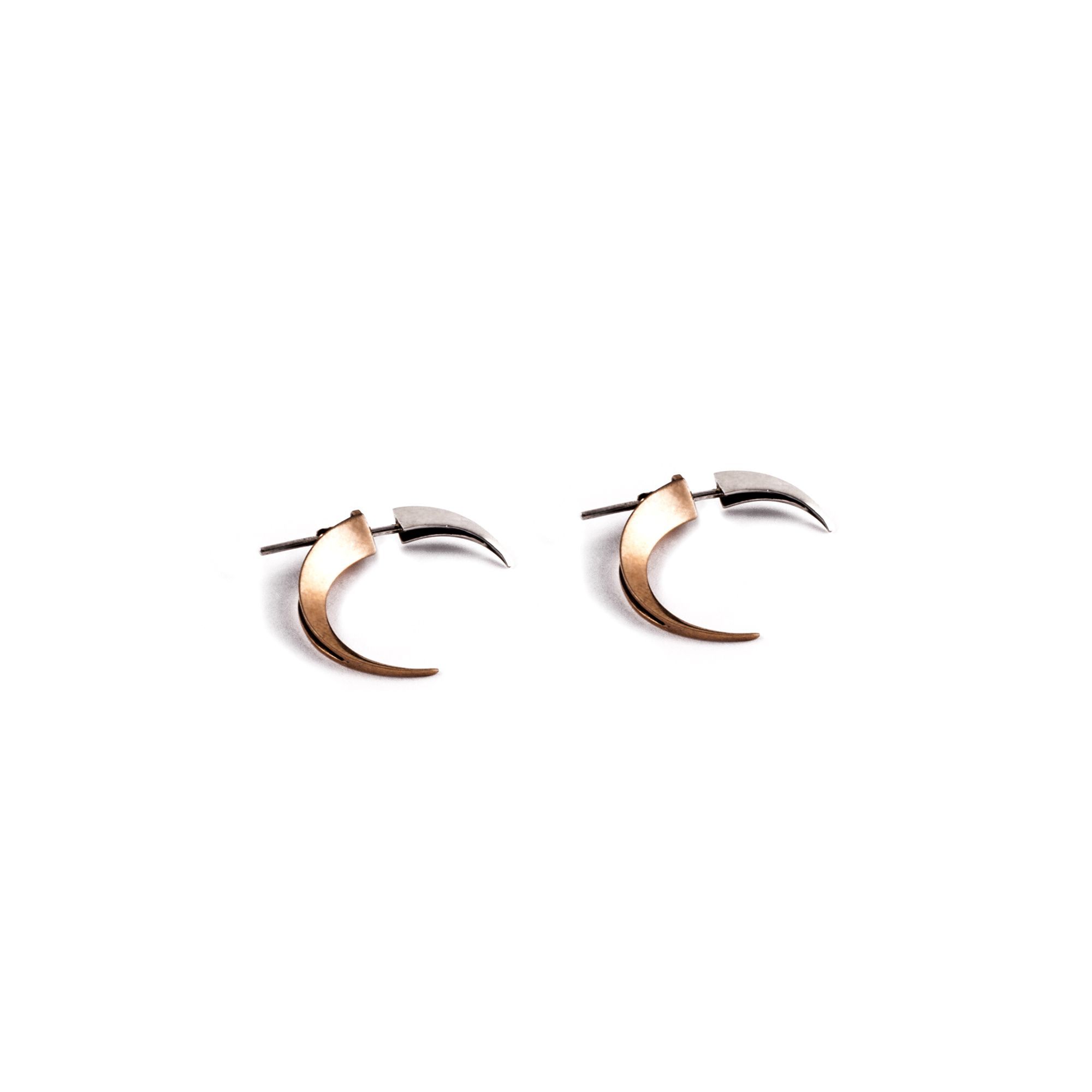 Front|back xs Hooks Earrings in silver and bronze