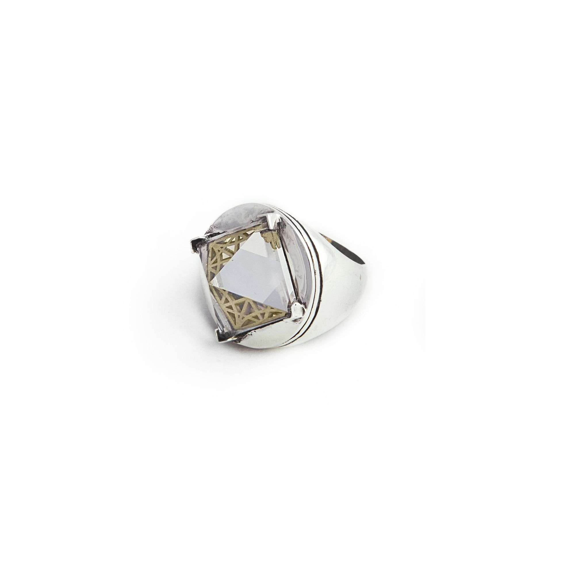 Silver 'Entropia' ring Ring in silver with pyramid